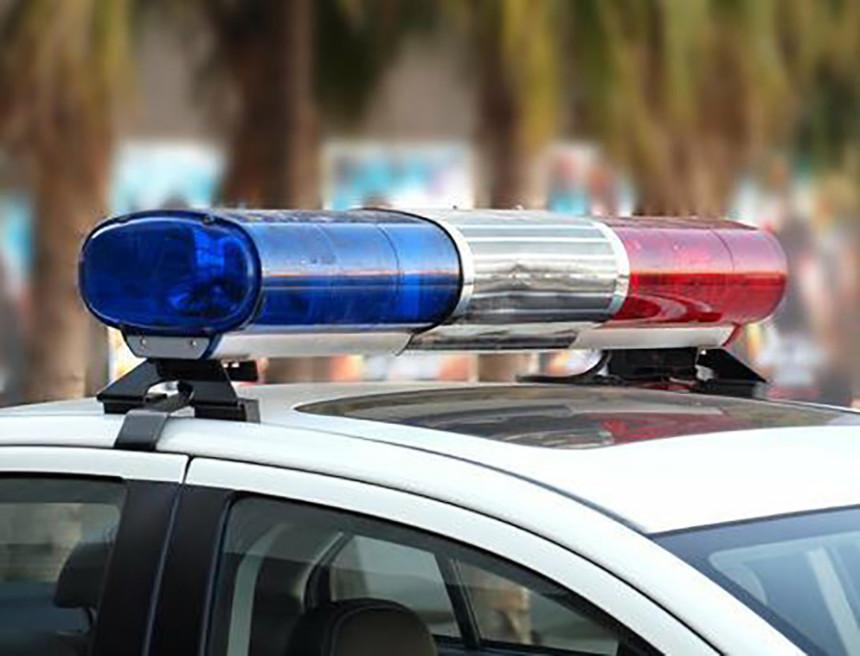 Banjaluka: Pijana djevojka oštetila auto, pa uhapšena