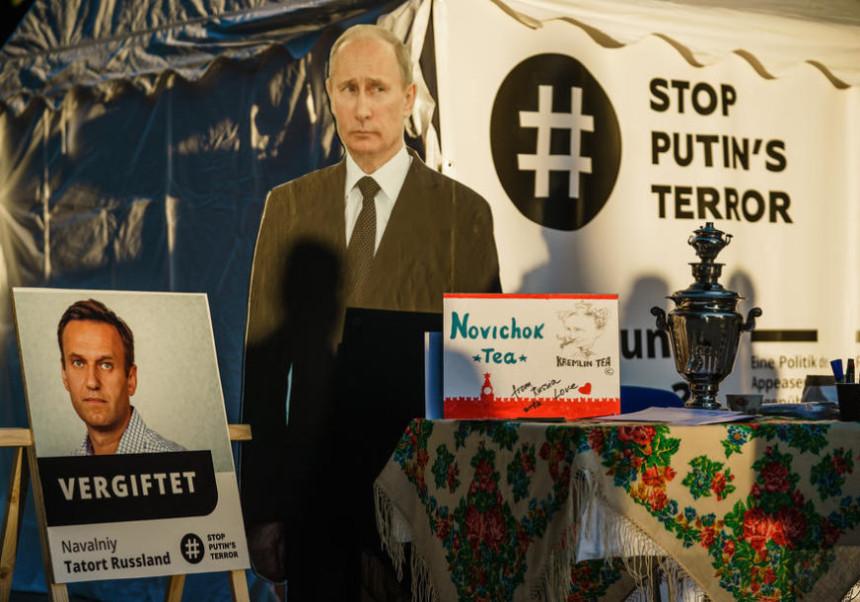 Navaljni najavio da planira povratak u Rusiju