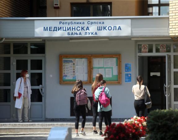 Banjaluka: 130 srednjoškolaca u izolaciji zbog korone