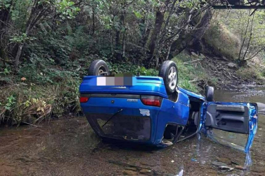Saobraćajna nesreća kod Teslića, poginuo suvozač