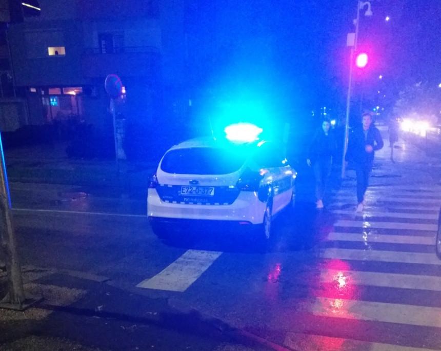 Policija blokirala ulicu da bi Tegeltija popio piće
