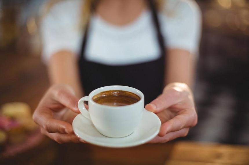 Због могућег отказа колегиници стављала седативе у кафу!