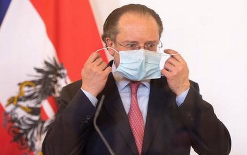 Šef diplomatije Austrije pozitivan na virus korona