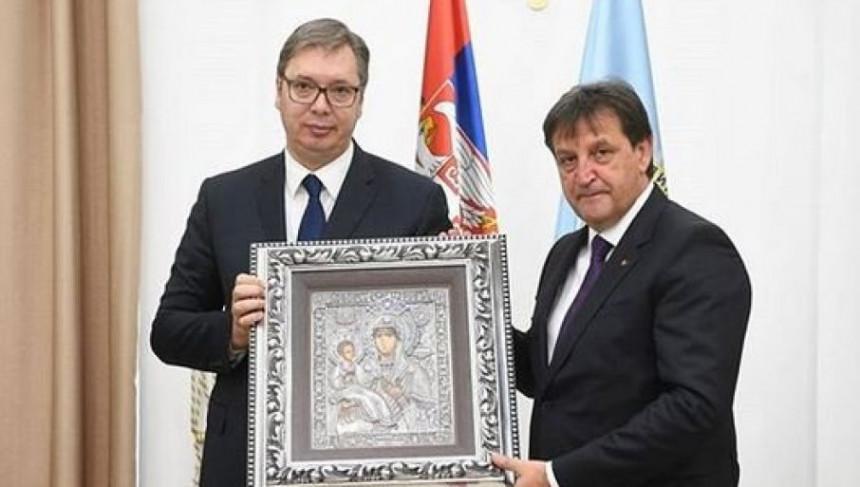 Vučić čestitao Dan BIA: Uvijek na braniku otadžbine