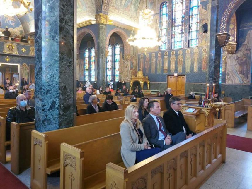 Гренел на литургији у храму Светог Саве у Милвокију