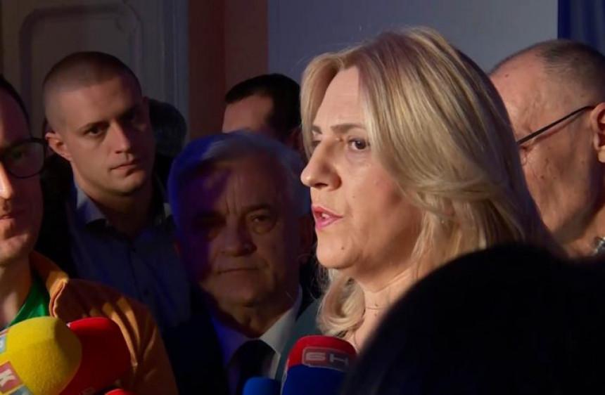 Pogledajte okruženje predsjednice Željke Cvijanović