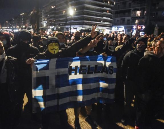 Haos u Grčkoj zbog karantina: 11 osoba uhapšeno