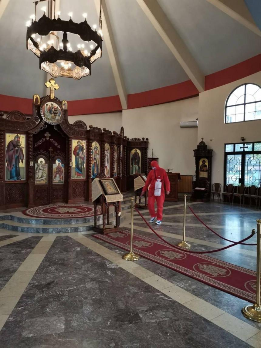 Stevandićev kombi ponovo u akciji: Dezinfekcija i crkava