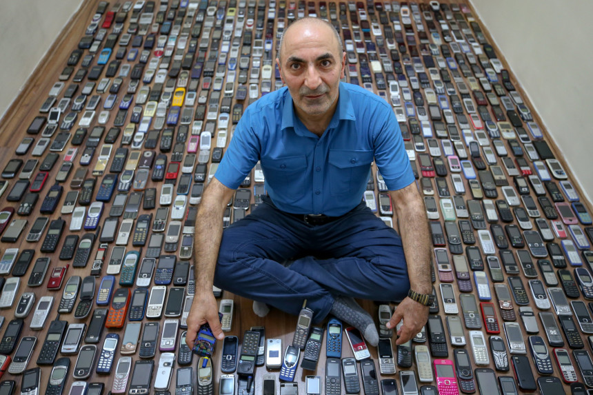 Ovaj čovek poseduje najveću kolekciju mobilnih telefona!