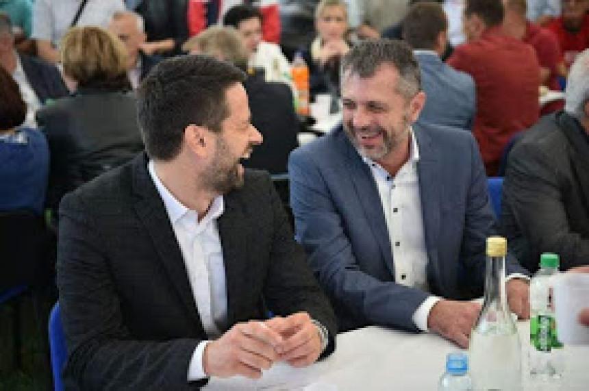 Krenulo mu je milionski otkako je postao zamjenik Igora Radojičića