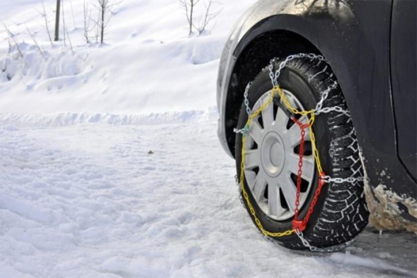 Od danas obavezna zimska oprema za vozila u Srpskoj