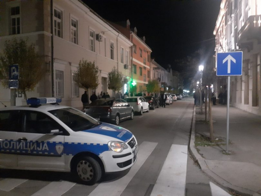 Burno u Trebinju: Ćurić utekao iz sjedišta grada