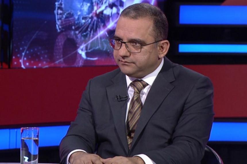 Министар понудио оставку након критика владе