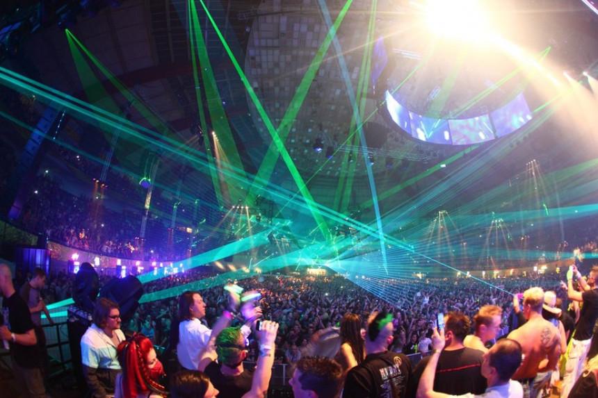 Sve više ilegalnih korona žurki u svijetu, ali i regionu