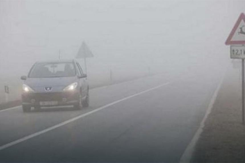 Magla, klizavi kolovozi i poledica na putevima u BiH