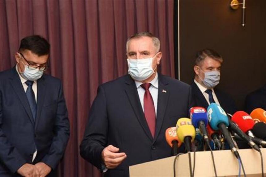 Višković: Nema umanjenja prava gradonačelnicima