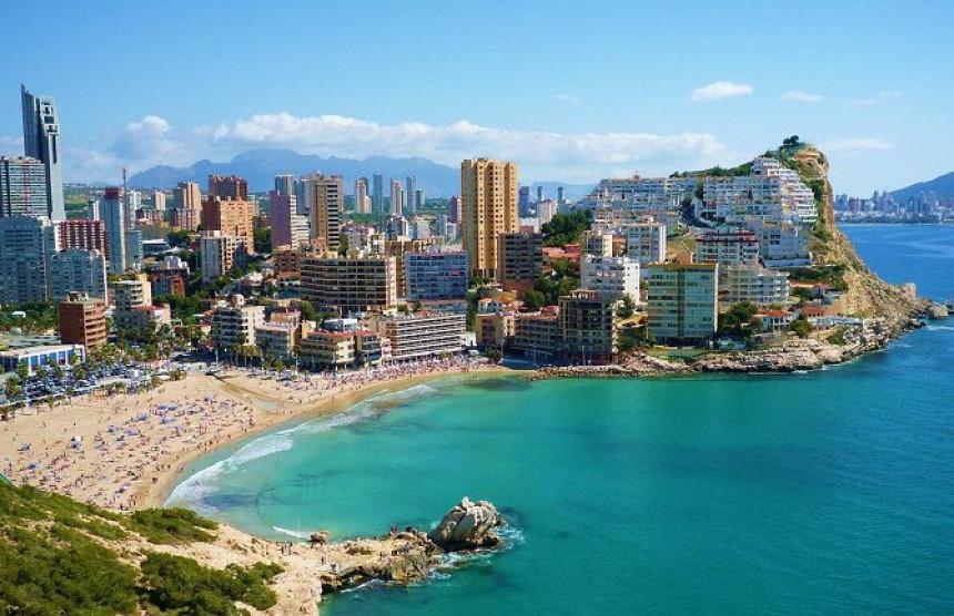 Шпанија: Туризам на кољенима, масовна продаја хотела