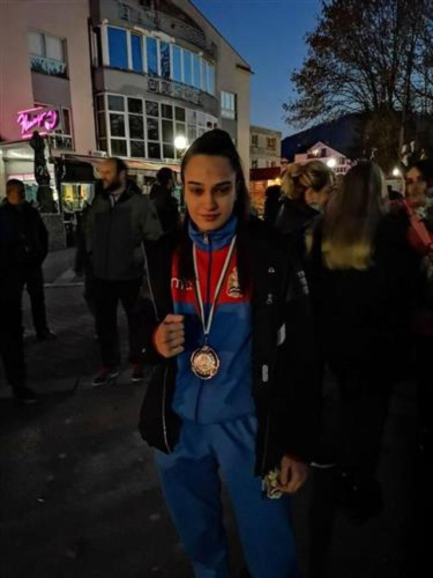 Doček za evropsku vicešampionku u Bratuncu