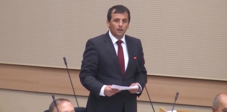 U uređenoj državi Dodik bi morao da podnese ostavku