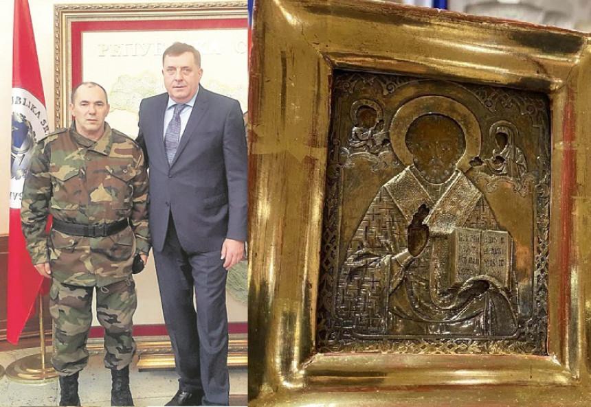 Svjedočenje kako je Duško Vukotić donio ikonu Dodiku