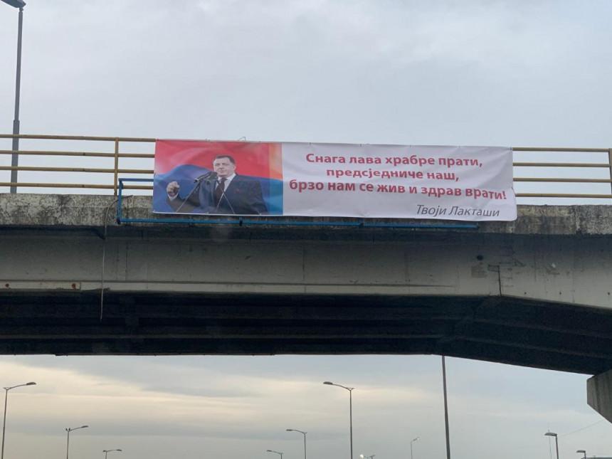 """Stranački plakati podrške Dodiku - """"Bori se kao lav""""!?"""