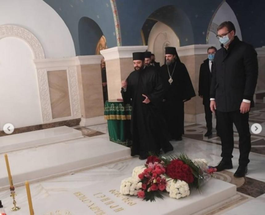 Vučić prisustvovao pomenu patrijarhu Irineju