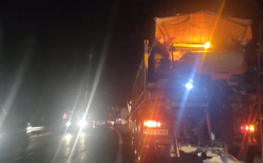 Гори камион на Брадини, обустављен саобраћај