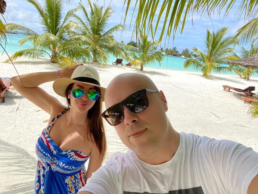 Милан Тегелтија на Малдивима ужива на +30 целзијуса