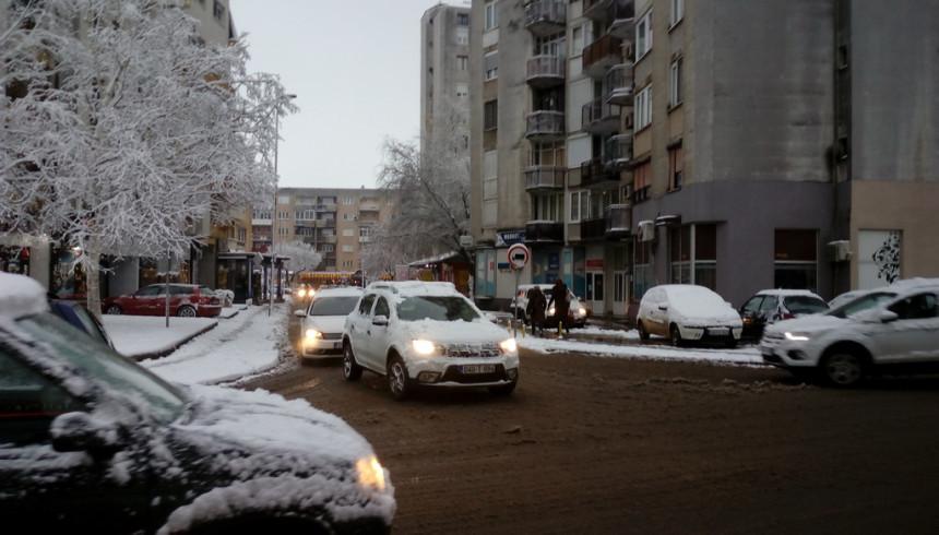 Saobraćaj se odvija otežano zbog mraza i niske temperature