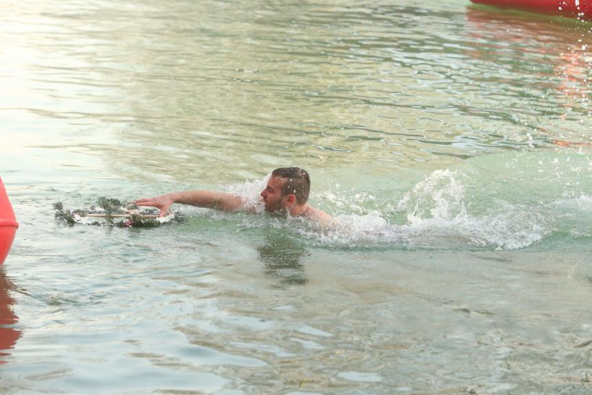 Banjaluka: Srđan Jolić prvi doplivao do Časnog krsta