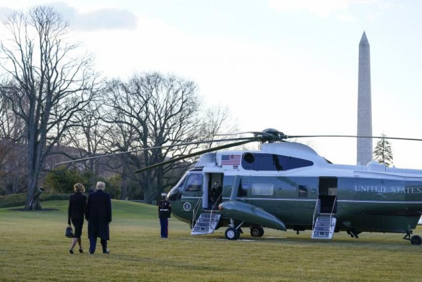 Доналд и Меланија Трамп и званично напустили Бијелу кућу