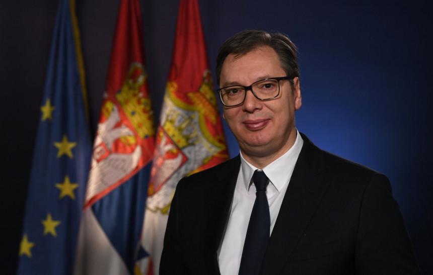Vučić čestitao i pozvao Bajdena da posjeti Srbiju