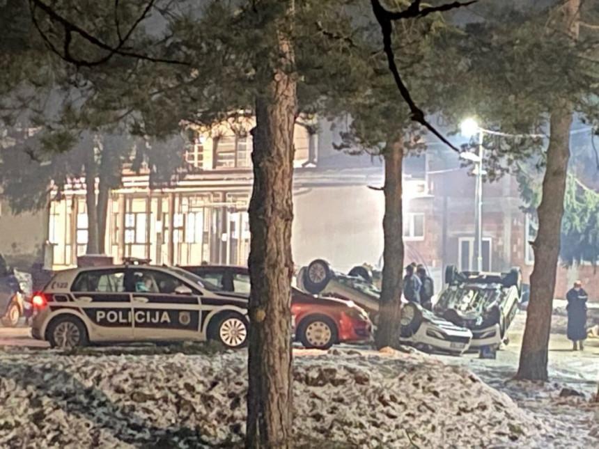 Haos u Blažuju: Više policajaca povrijeđeno