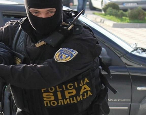 Akcija SIPE: Poznata imena uhapšenih službenika UIO
