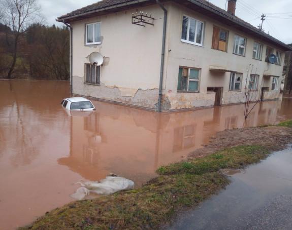 Rijeka Bistrica poplavila kuće kod Foče