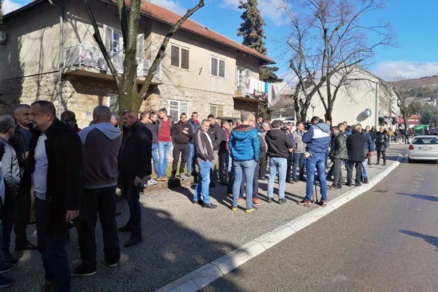 Protesti u Bileći: Mladića pretukli, počinilac na slobodi