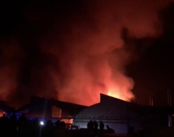Gori fabrika u Valjevu, svi vatrogasci na terenu