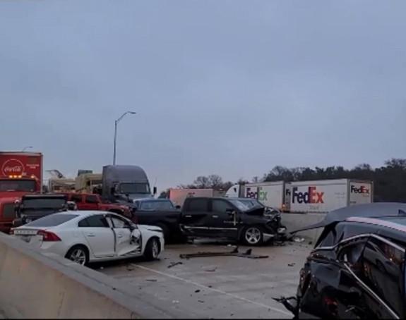 Sudar 70 vozila u Teksasu, ima poginulih