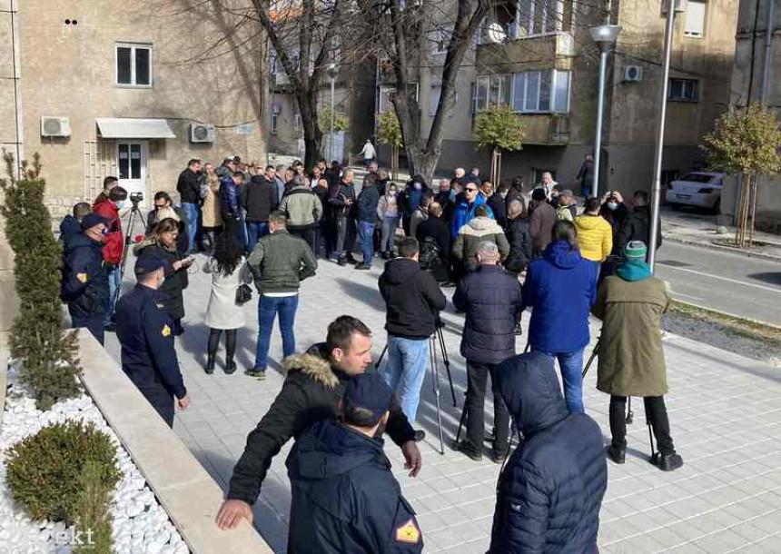 Građani traže pravdu za pretučenog mladića iz Bileće