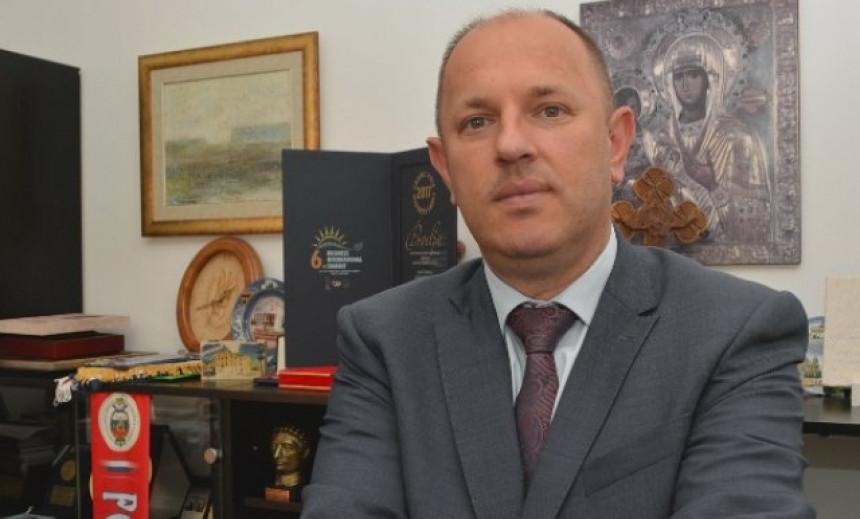 Potkrala se greška: Luka Petrović nije imao u planu kupovinu novog namještaja?!
