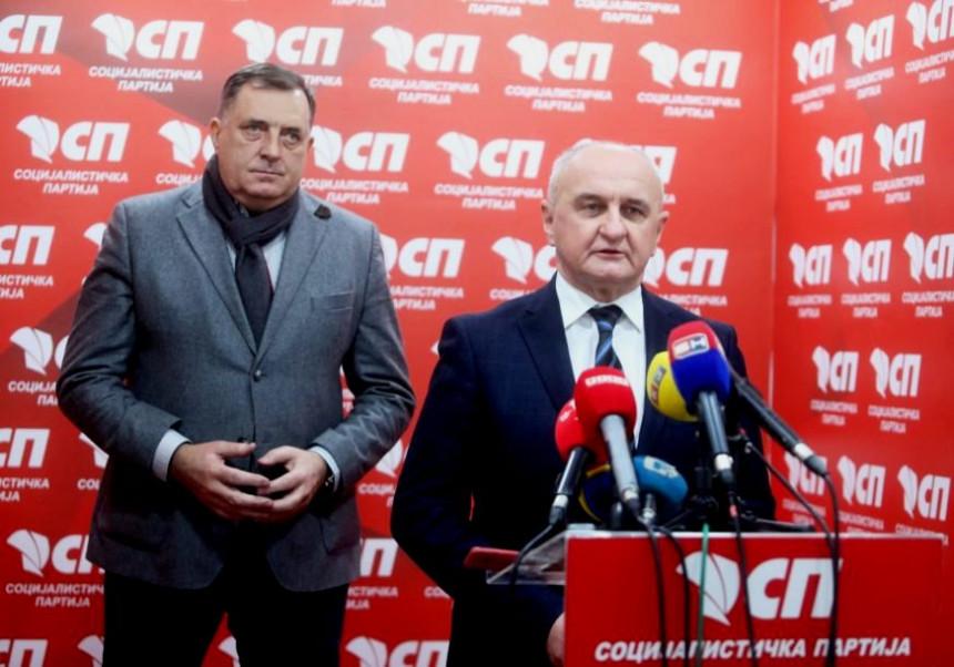 Nešić: Srpsku ugrožava vlast, a ne neko spolja