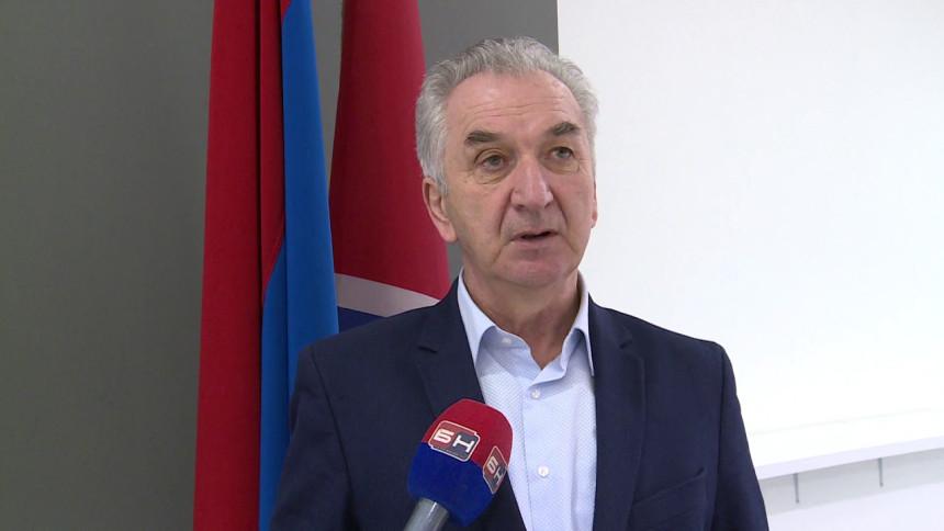 Šarović čestitao predsjedniku Vučiću Dan državnosti