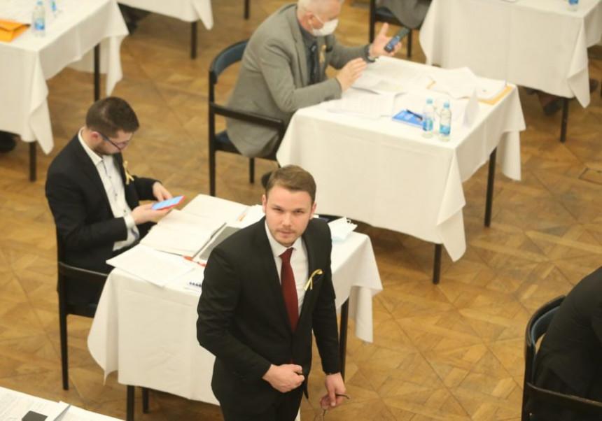 Žestoka rasprava Stanivukovića i Banjca oko ušteda