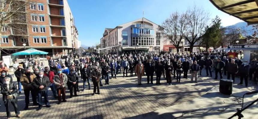 Protest boraca VRS u Bratuncu: Prevareni smo!