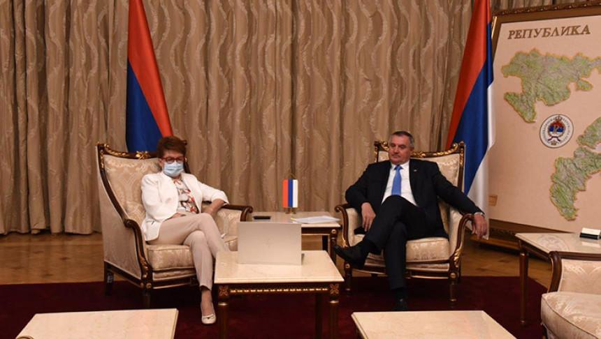 Vlada Srpske se zadužuje čak dva puta mjesečno