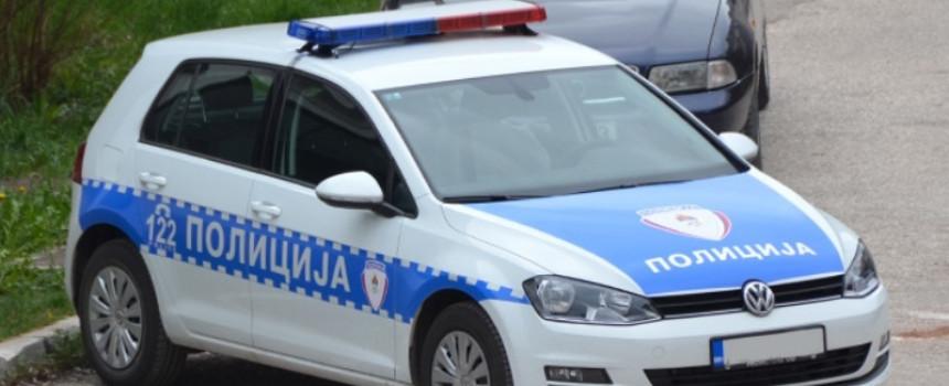 Zbog neplaćenih kazni policija oduzela automobil