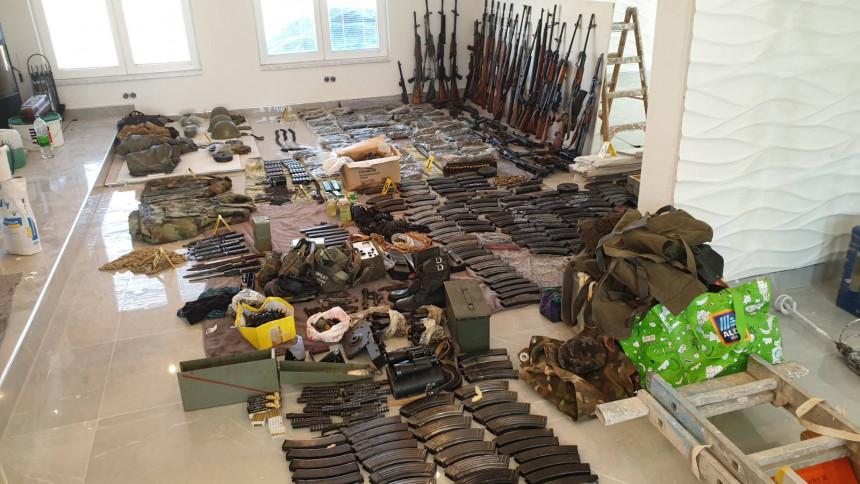 Pronađena veća količina oružja i vojne opreme (VIDEO)