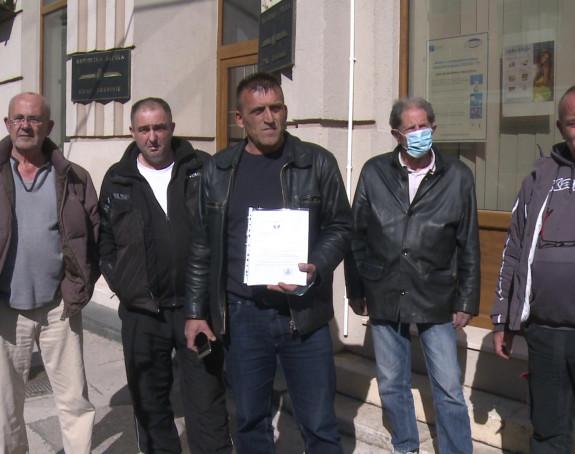 Trebinje: Borci prijete izlaskom na ulicu