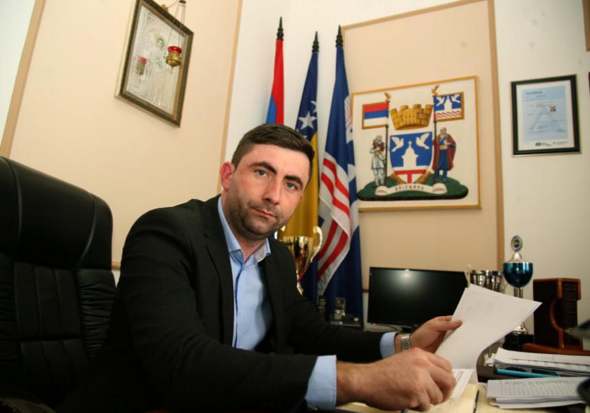 DNS: Neosnovane optužbe prema gradonačelniku