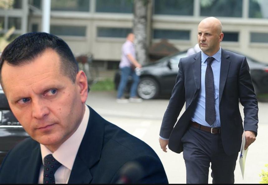 Rat na relaciji ministar – direktor policije: Kostrešević se dovodi u vezu sa Bjelivukom i Kokezom